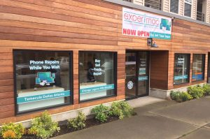 custom vinyl window clings and banners